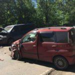 В Кирове столкнулись «Тойота» и «Фольксваген»: пострадали три человека