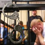 В Кировской области осужденный попытался подкупить сотрудника ФСИН