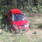 В Вятскополянском районе женщина-водитель «Пежо» опрокинулась в кювет