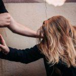 Житель Сунского района систематически избивал свою 16-летнюю знакомую