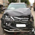 В Слободском столкнулись «Лексус» и «Форд»: пострадали два человека