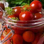 Маринованные на зиму помидоры черри
