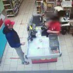 В Кирове разыскивается мужчина, причастный к краже денег с банковской карты